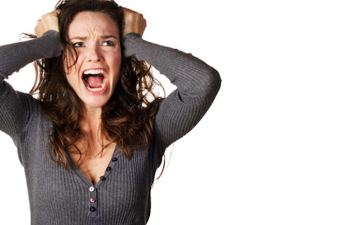 Kam ber mardhenje treshe edhe pse jam e martuar , Me detyroj i dashuri im qe e tradhetova burrin me te me tha se nese deshiron te fshihen fotot un do te