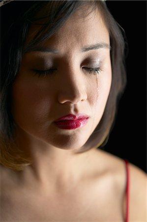 Ish gruaja e burrit po i shkruan gjdo dit i lutet ti kthehet , Kam frik se do ma mar burrin tim epse ajo esht nje femer qe