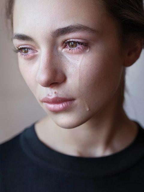 Kunatat me leshojshin fjal deri sa me bejshin te qaj , Burri me rrahke dhe luajke kazino shume shpesh dhe
