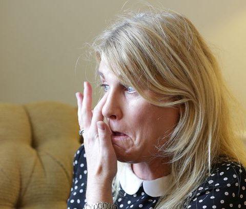 Zemra po me digjet e shpirti po me qanë , Asnjëher nuk do bëhem Nënë morëm lajmin e hidhur nga